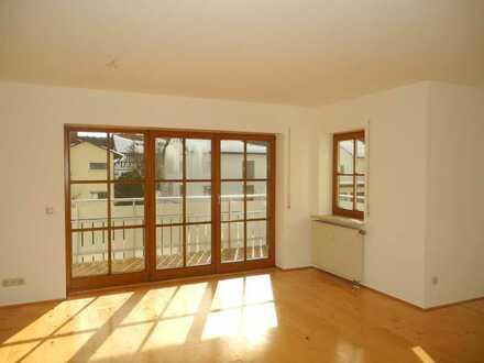 Vollständig renovierte 2-Zimmer-Wohnung mit Balkon und EBK in Bad Grönenbach