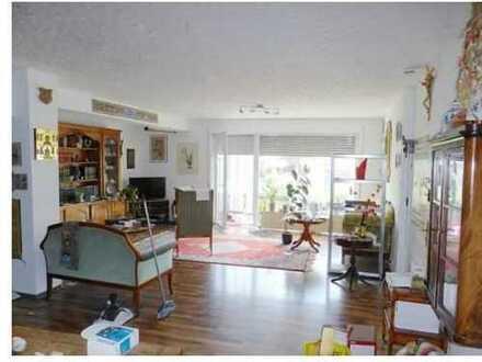 Gepflegte 3-Zimmer-Terrassenwohnung mit Balkon und EBK in Waldalgesheim