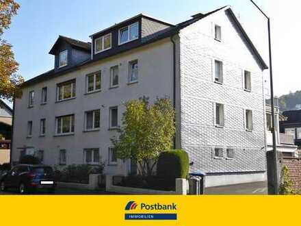 Helle und freundliche 3 ZKB-Wohnung mit Wintergarten, Balkon und Garage