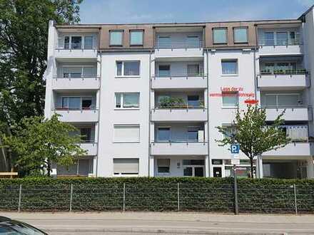 Schöne hell und freundliche 2,5 Zimmer Wohnung in München, Moosach