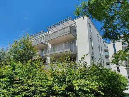 ... neuwertige 4-Zi-Wohnung, großer Süd-Balkon, Lift in zentraler Lage und unweit vom Bahnhof ...
