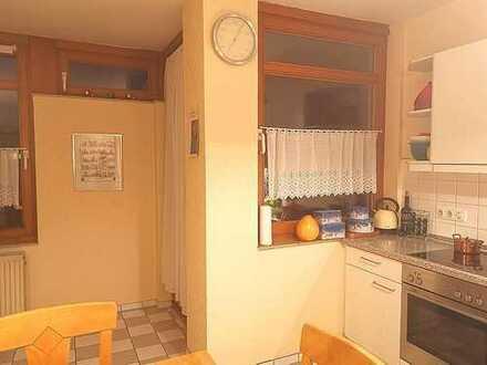 Großzügige 4-Zimmer-Wohnung mit Dachterrasse und Balkon - Bestlage Ricklingen!