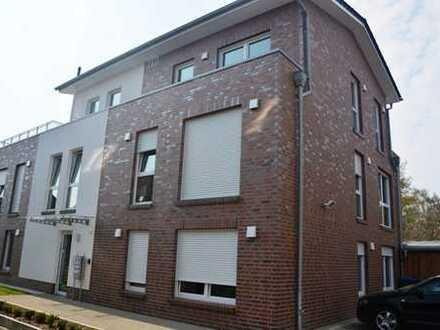 Schöne Penthaus Wohnung mit großer Dachterrasse in ruhiger Lage