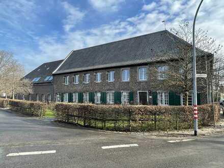 Haus mit Garten im historischen Dycker Weinhaus
