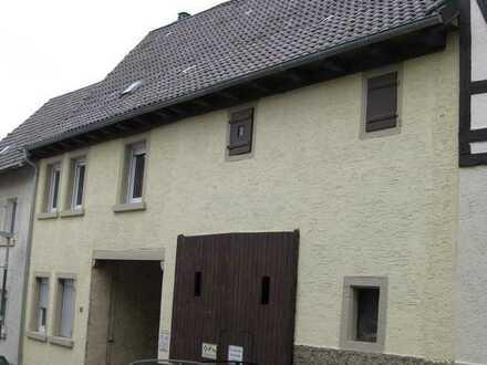 Preisreduziertes EFH mit Potential - renovierungsbedürftig