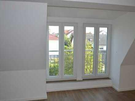 Schöne 3-Zimmer-Dachgeschosswohnung - 2014 komplett saniert