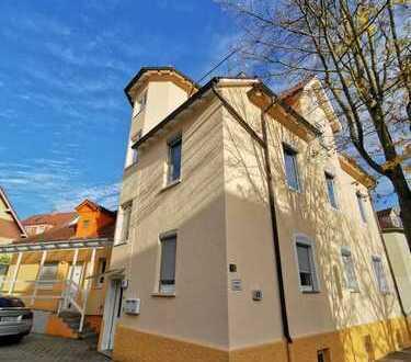 Sanierungsbedürftige Wohnung mit Baugenehmigung