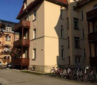 Gemütliche 1,5 RWE mit großem Balkon zu verkaufen!