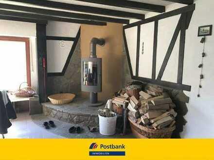Gepflegtes Ferienhaus mit 2 komplett möblierten Wohnungen an der Ahr nahe Adenau.