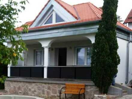 Erstbezug nach Sanierung: schönes 3-Zimmer-Einfamilienhaus in Roding, Roding
