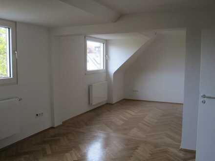 Schöne 2 ½-Raum Dachgeschosswohnung mit Balkon in Essen-Kupferdreh