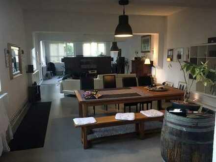 862 €, 115 m², 1 Zimmer
