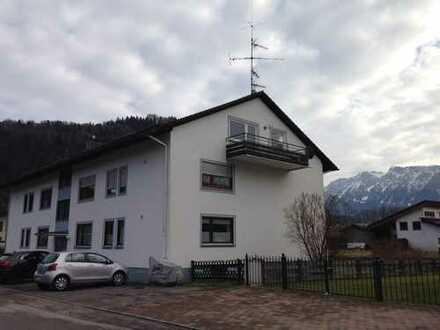 Schöne drei Zimmer Wohnung mit Balkon in Rosenheim (Kreis), Oberaudorf ab 01.05.2020 zu vermieten