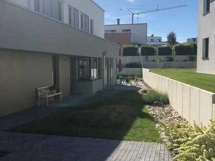 Attraktive Erdgeschosswohnung mit Privatgarten+Terrasse in unmittelbarer Nähe zum Zwenkauer See