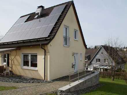 Schönes und gepflegtes 4-Zimmer-Einfamilienhaus zur Miete in Reichshof Denklingen
