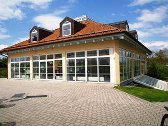 Einzigartiges und gepflegtes Gewerbehaus für Gastronomie, Büro, Verkauf und Lager nutzbar!