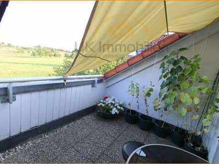 Gemütliche & gepflegte Dachterrassen-Wohnung