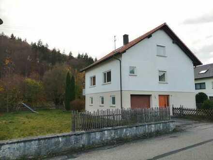 gepflegtes Haus mit großen Garten direkt am Bach, Sigmaringen (Kreis), Neufra