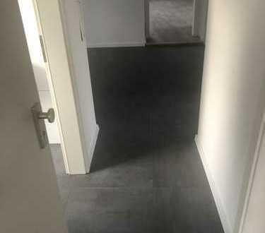 Erstbezug nach Sanierung: attraktive 3-Zimmer-DG-Wohnung zur Miete in Widdersdorf, Köln