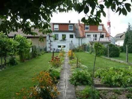 Schönes, geräumiges Haus mit sechs Zimmern / Büro in Karlsruhe (Kreis), Eggenstein-Leopoldshafen