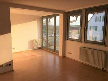 Helle 3-Zimmer-Wohnung mit Balkon und EBK in Oberndorf a.N.