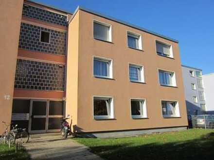 Große, helle 4-Zimmer-Wohnung mit Balkon mit Wohnberechtigungsschein