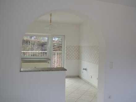 Schön geschnittene 4-Zimmer Wohnung zu vermieten