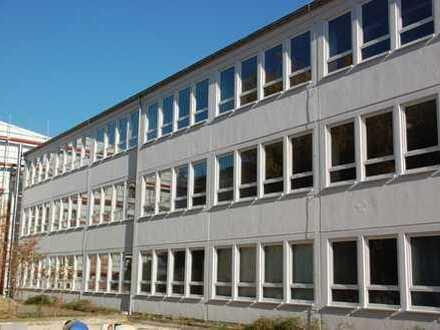Produktions- und/ oder Lagerhalle in Coswig im Gewerbegebiet