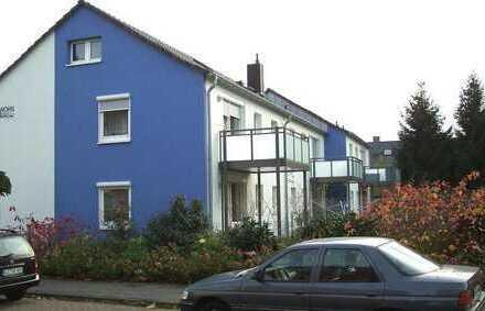 Klein aber Fein: Modernisierte 3-Zimmer-Wohnung mit Terrasse und eigenem Garten