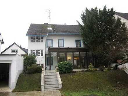 Freistehendes Einfamilienhaus mit viel Potenzial in gefragter Lage von Egelsbach!