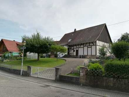 Fachwerkhaus - OHNE Denkmalschutz - 5,5 Zimmer, 733 qm Grundstück