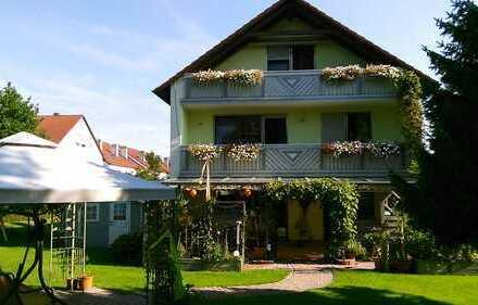 Schönes Einfamilienhaus mit acht Zimmern in Königsbrunn