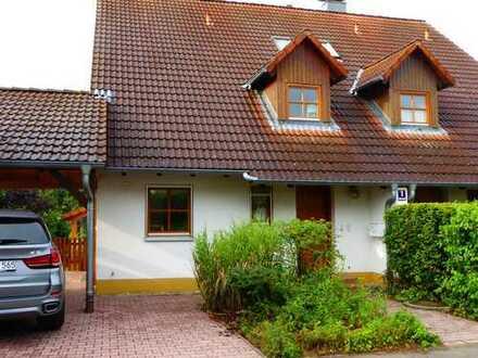 Schönes, helles Haus mit sieben Zimmern und Garten in Erlangen-Höchstadt (Kreis), Spardorf