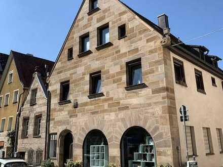 V3168 Denkmal-MFH mit Garage in der historischen Fürther Altstadt