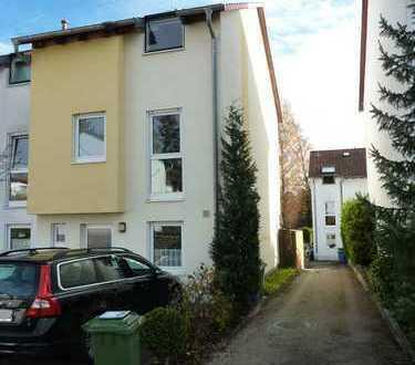 Für die junge Familie: Haus mit fünf Zimmern in Darmstadt-Dieburg (Kreis), Mühltal