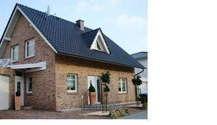 Einfamilienhaus mit Garage , ca. 130 m2 Wfl., 561 m2 Grundstück (auch als Mietkaufvariante möglich)
