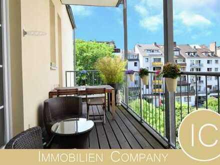Große sanierte Altbauwohnung mit 2 Balkonen