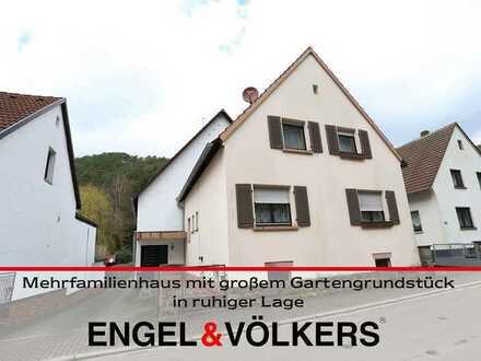 Mehrfamilienhaus mit großem Gartengrundstück in ruhiger Lage
