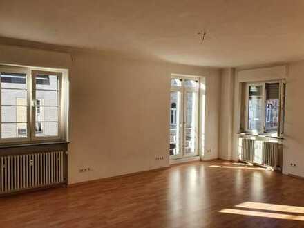 2 ZKB Wohnung in Landau, Fußgängerzone mit Terasse