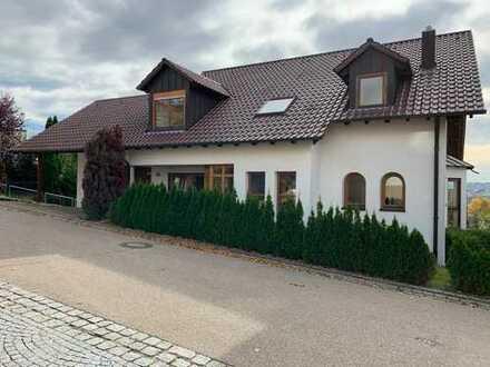 Schönes, geräumiges Haus mit neun Zimmern in Ulm, Eselsberg