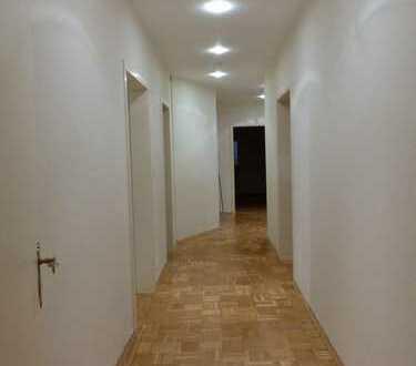 Grosszügig geschnittene, helle 5-Zimmer Wohnung ab 01.03.2019 zu vermieten