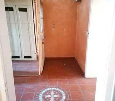 Renoviert 2-Raum-Wohnung mit Balkon und Einbauküche in Mannheim