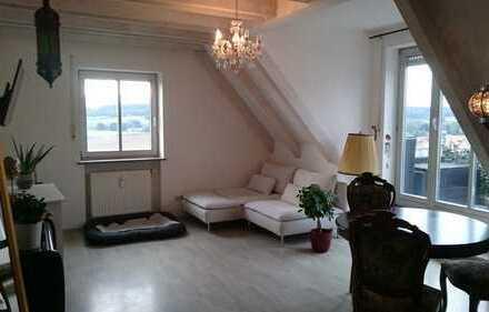 Neuwertige 2-Zimmer-Maisonette-Wohnung mit Studio+Balkon und Einbauküche in Zusamaltheim