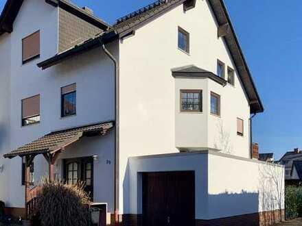 Schönes, geräumiges Familienhaus mit sieben Zimmern in Mühlheim am Main.