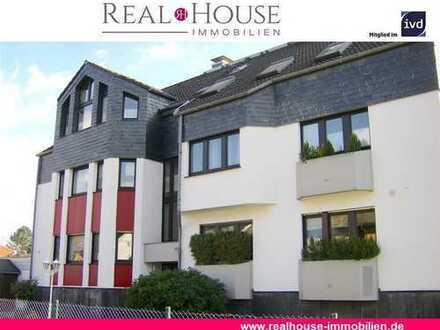 REAL HOUSE: Frisch modernisierte 4,5 Zi. Maisonette-Wohnung mit Sonnenterrasse und 2 Stellplätzen