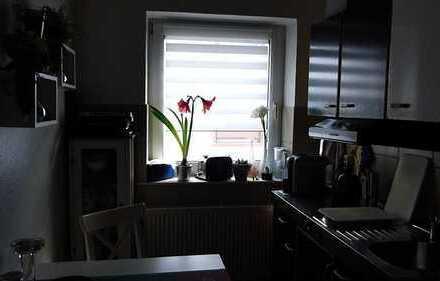 Sanierte 1,5-Raum-Wohnung mit Einbauküche in Schifferstadt, teilmöbliert
