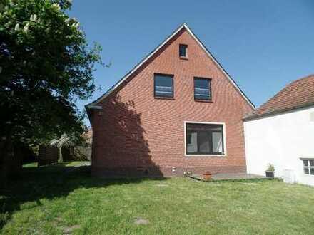 Grundsolides Haus auch für zwei Generationen geeignet zu verkaufen!!!