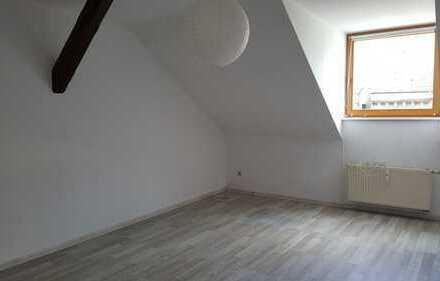 Gemütliche 2,5 Zimmer Wohnung in der Nähe vom Theather zu vermieten