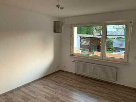 ruhige Erdgeschoss mit Küche - Erstbezug nach Sanierung mit Balkon -Stadtnah