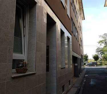 1A Lage direkt am Rhein in Köln Deutz, Schönes Apartment EG,Erstbezug nach Sanierung mit Einbauküche